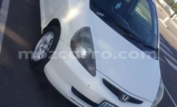 Buy Used Honda Fit White Car in Maputo in Maputo