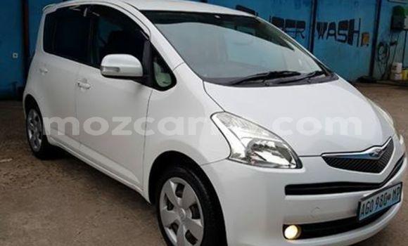 Buy Used Toyota Ractis White Car in Maputo in Maputo