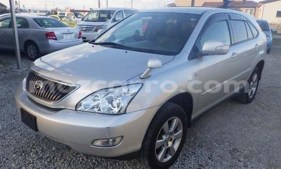 Buy Used Toyota Harrier Silver Car in Maputo in Maputo