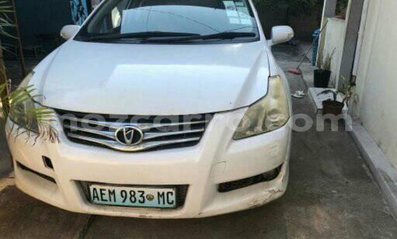 Comprar Usado Toyota Blade Branco Carro em Maputo em Maputo