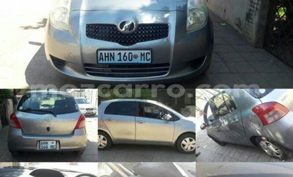 Comprar Usado Toyota Vitz Prata Carro em Maputo em Maputo