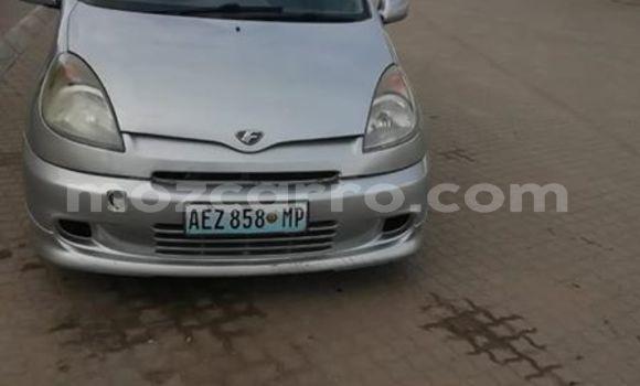 Comprar Usado Toyota FunCargo Prata Carro em Maputo em Maputo