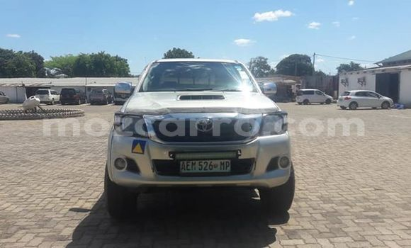 Buy Used Toyota Hilux Silver Car in Maputo in Maputo