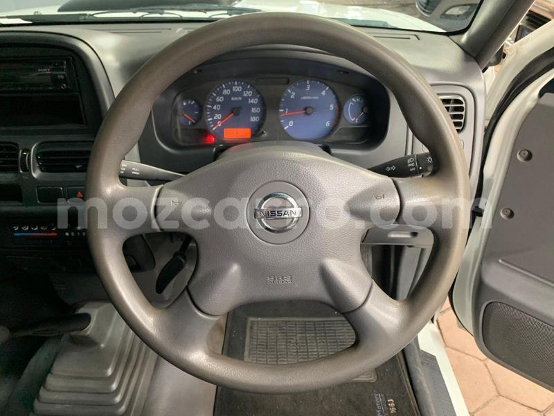 Big with watermark nissan np 300 sofala beira 9646