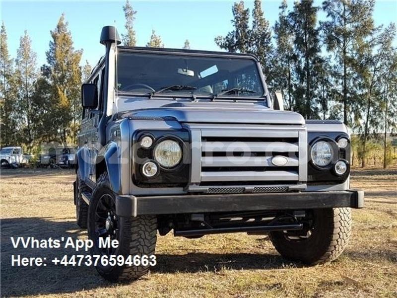 Big with watermark land rover defender maputo maputo 9694