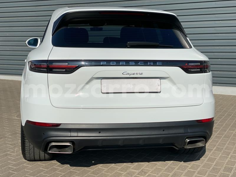 Big with watermark porsche cayenne zambezia gile 9761