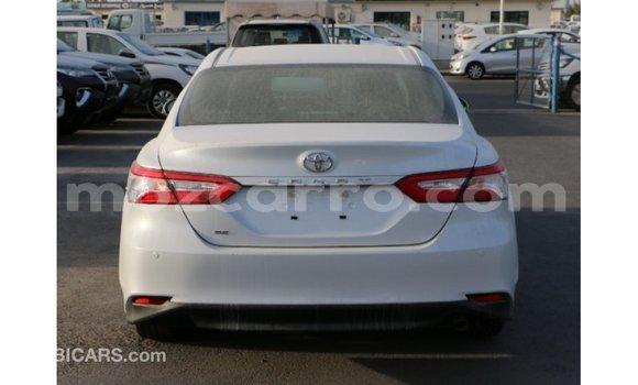 Buy Import Toyota Camry White Car in Import - Dubai in Cabo Delgado