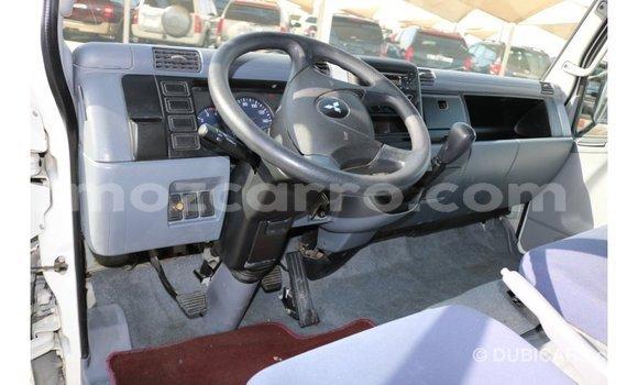 Comprar Importar Mitsubishi Canter Branco Caminhão em Import - Dubai em Cabo Delgado