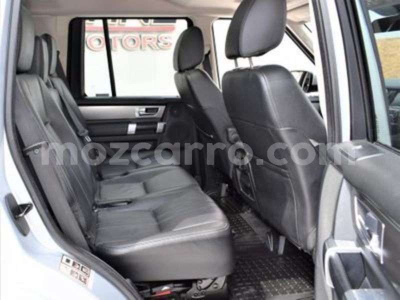 Big with watermark land rover discovery nampula mocambique 10507