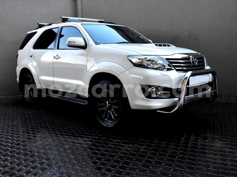 Big with watermark toyota fortuner nampula mocambique 10509