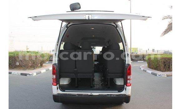 Comprar Importar Toyota Hiace Branco Carro em Import - Dubai em Cabo Delgado