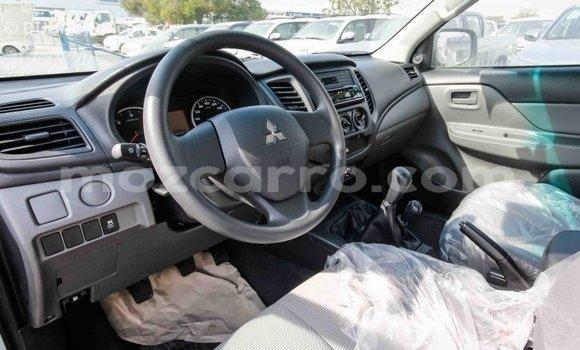 Comprar Importar Mitsubishi L200 Branco Carro em Import - Dubai em Cabo Delgado