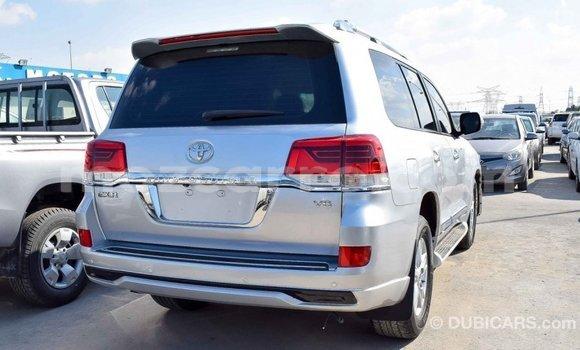 Comprar Importar Toyota Land Cruiser De outros Carro em Import - Dubai em Cabo Delgado