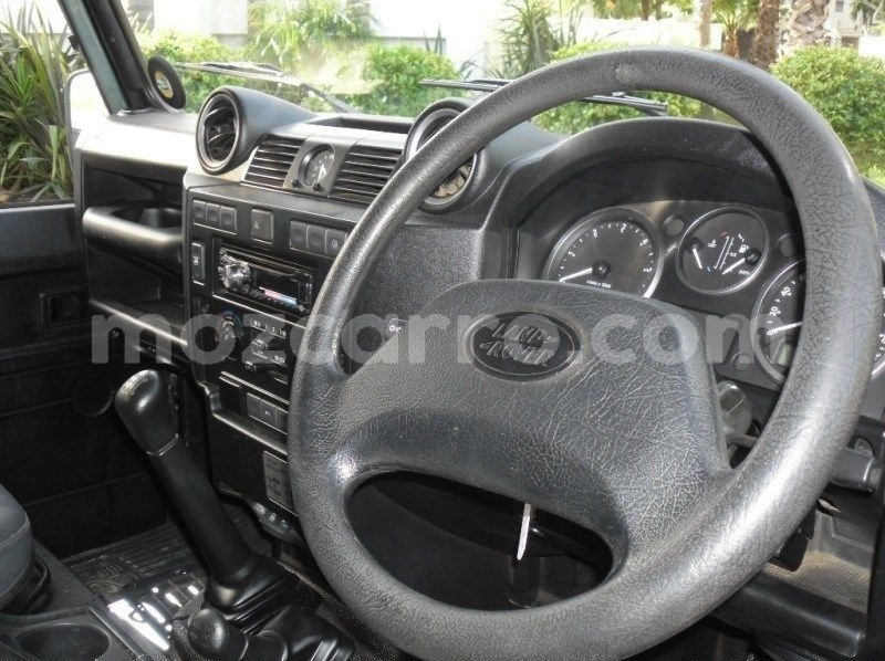 Big with watermark land rover defender maputo maputo 11306
