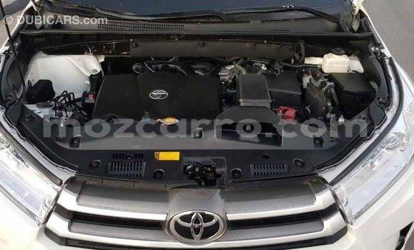 Comprar Importar Toyota Highlander Branco Carro em Import - Dubai em Cabo Delgado
