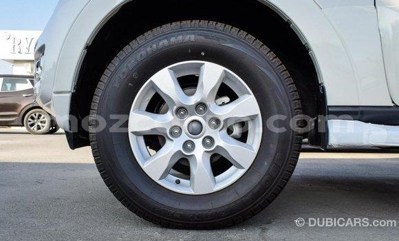 Comprar Importar Mitsubishi Pajero Branco Carro em Import - Dubai em Cabo Delgado
