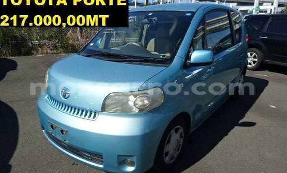 Comprar Usado Toyota Porte Azul Carro em Maputo em Maputo