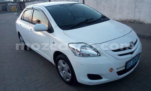 Comprar Usado Toyota Belta Branco Carro em Maputo em Maputo