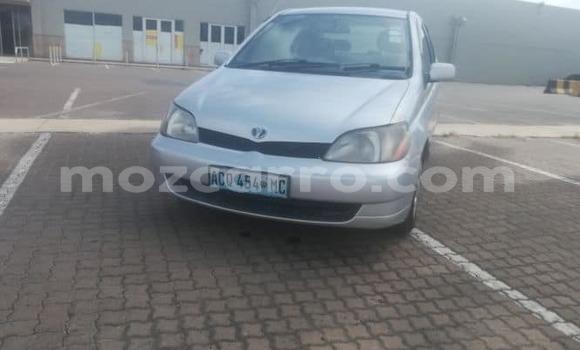 Comprar Usado Toyota Platz Prata Carro em Maputo em Maputo