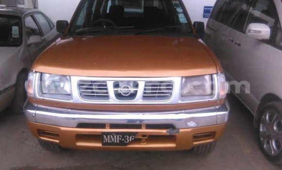 Comprar Usado Nissan Hardbody Castanho Carro em Maputo em Maputo