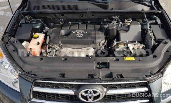 Comprar Importar Toyota Ade Verde Caminhão em Import - Dubai em Cabo Delgado