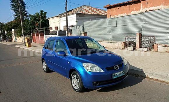 Comprar Usado Mazda Demio Azul Carro em Maputo em Maputo