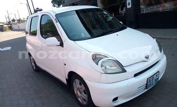 Comprar Usado Toyota FunCargo Branco Carro em Maputo em Maputo