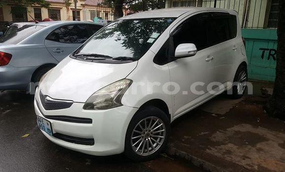 Comprar Usado Toyota Ractis Branco Carro em Maputo em Maputo