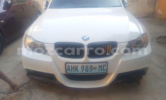 Comprar Usado BMW 3-Series Branco Carro em Maputo em Maputo