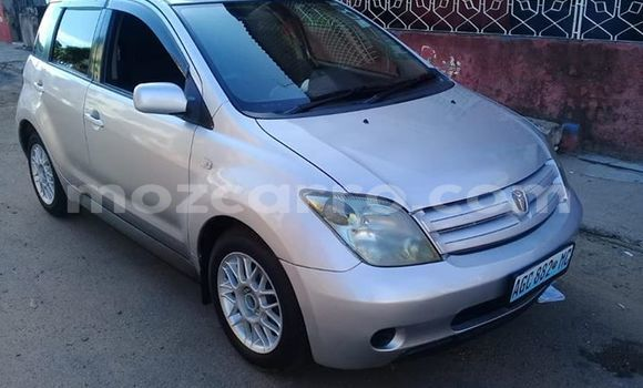 Comprar Usado Toyota IST Prata Carro em Maputo em Maputo