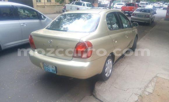 Comprar Usado Toyota Platz Bege Carro em Maputo em Maputo