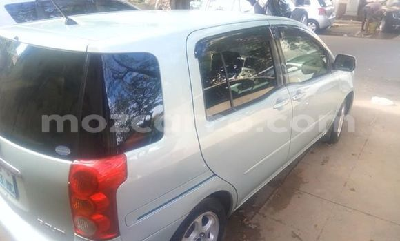 Comprar Usado Toyota Raum Prata Carro em Maputo em Maputo