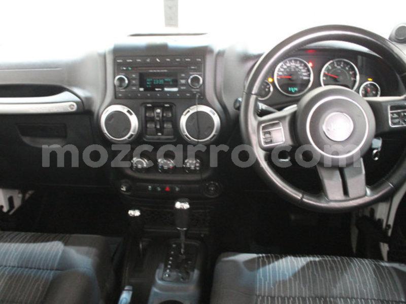 Big with watermark 2013 jeep wrangler 2.8 crd unltd sahar7