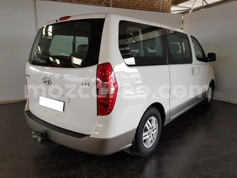 Big with watermark hyundai h1 zambezia gil%c3%a9 6691