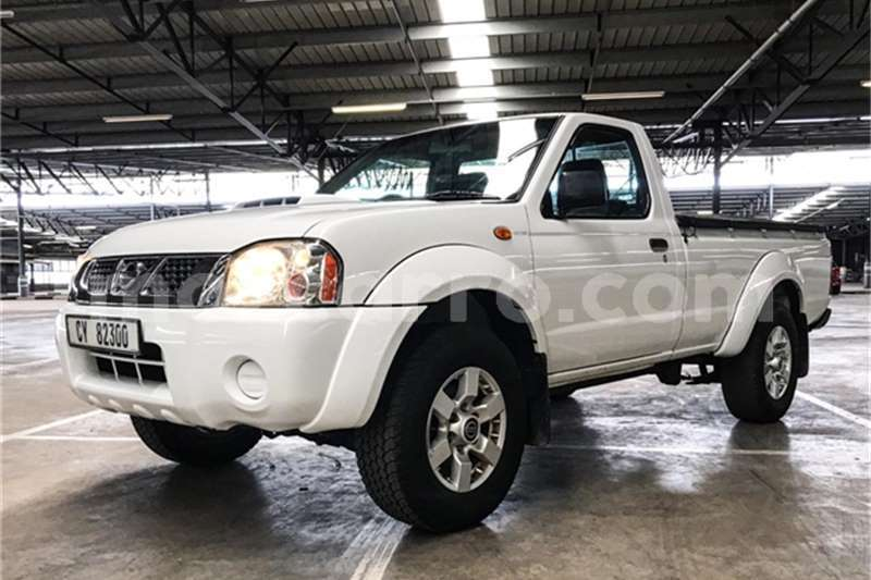 Big with watermark nissan np 300 maputo maputo 7596