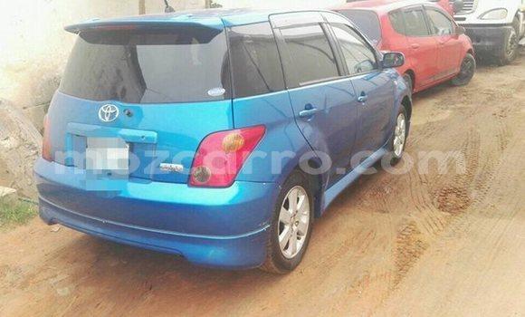 Comprar Usado Toyota IST Azul Carro em Ancuabe em Cabo Delgado