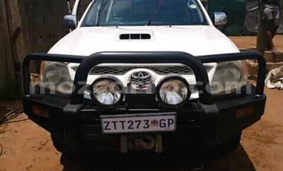 Buy Used Toyota Hilux White Car in Ancuabe in Cabo Delgado
