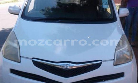 Buy Used Toyota Ractis White Car in Ancuabe in Cabo Delgado