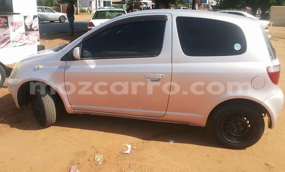 Buy Used Nissan March White Car in Maputo in Maputo
