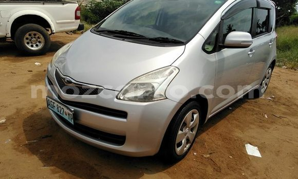 Buy Used Toyota Regius Silver Car in Maputo in Maputo