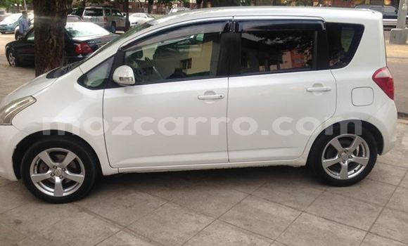 Buy Used Toyota Ractis White Car in Maputo in Maputo