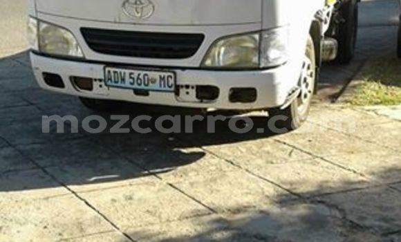 Buy Used Toyota Dyna White Car in Maputo in Maputo