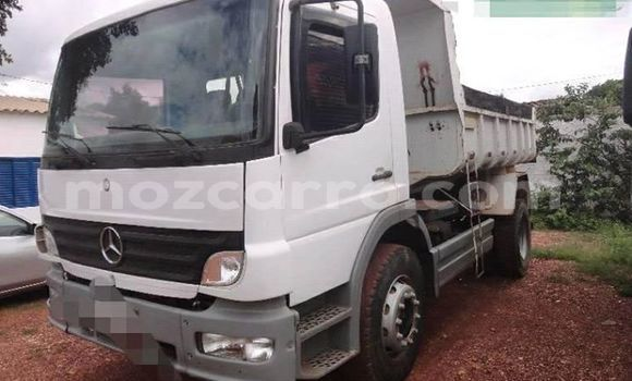 Buy Used Mercedes‒Benz 1520 White Truck in Maputo in Maputo
