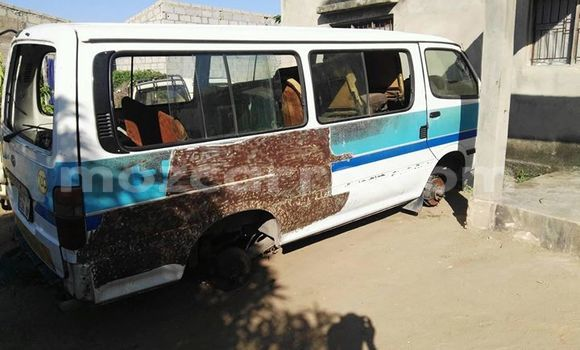 Buy Used Toyota HiAce Other Truck in Maputo in Maputo
