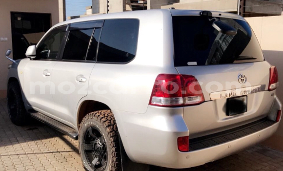 Buy Used Toyota Land Cruiser Silver Car in Maputo in Maputo