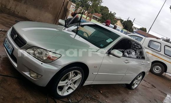 Buy Used Toyota Altezza Silver Car in Maputo in Maputo