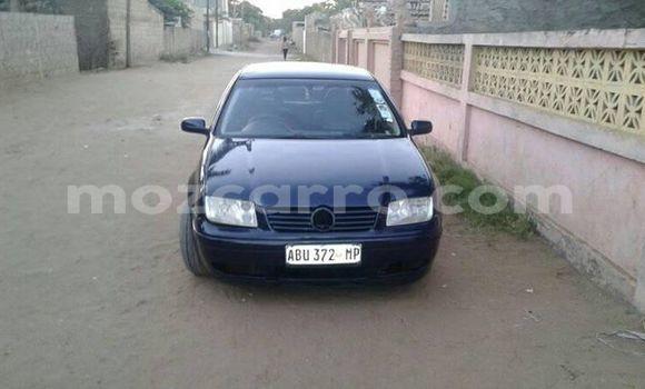 Comprar Usado Volkswagen Bora Azul Carro em Maputo em Maputo