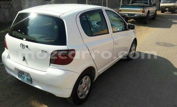 Buy Used Toyota Vitz White Car in Maputo in Maputo
