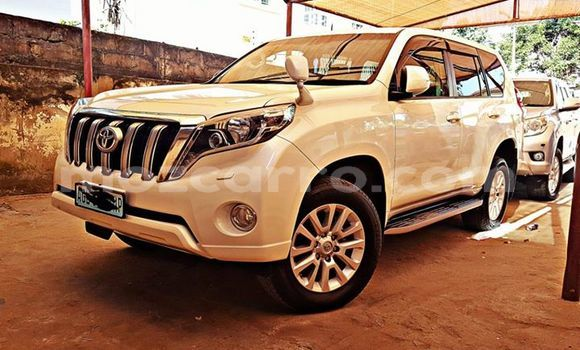 Comprar Usado Toyota Land Cruiser Prado Branco Carro em Maputo em Maputo