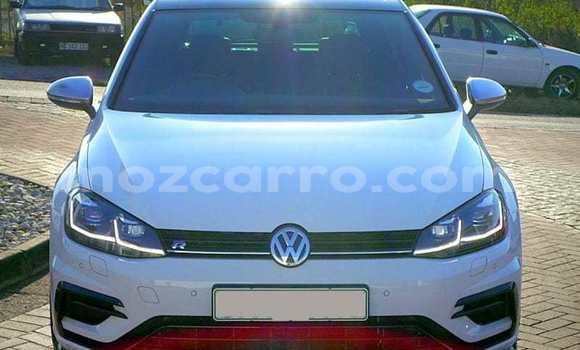 Buy Used Volkswagen Golf White Car in Angoche in Nampula